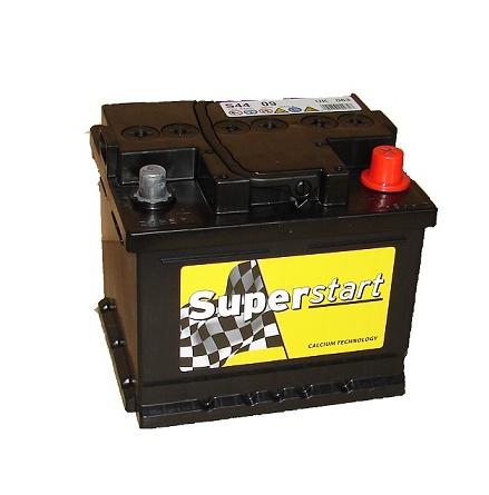 Bilbatteri 12V 44Ah Superstart S4409. LxBxH:210x175x175mm Tillverkad av Banner bäst i Testfakta 2013 och 2015.