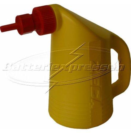 Påfyllningskanna 2 liter för batterivatten. Professionell modell.