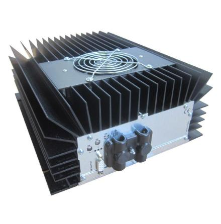 Batteriladdare 24V 24A för vätske, AGM eller gelbatterier 120-400Ah IP66 Klassad sköljtät